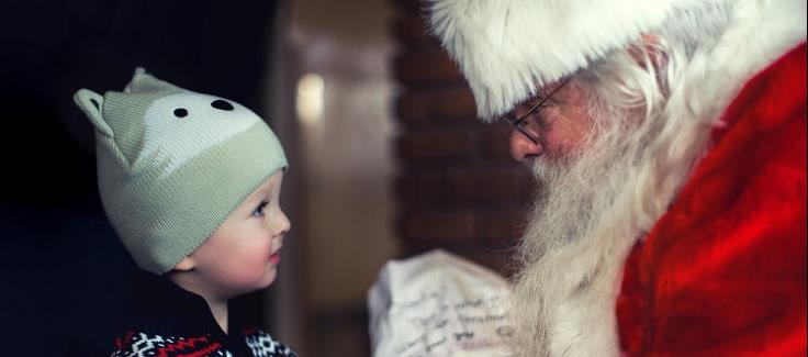 Santa Claus is Coming to Town: 3 Tips for Hiring Santa